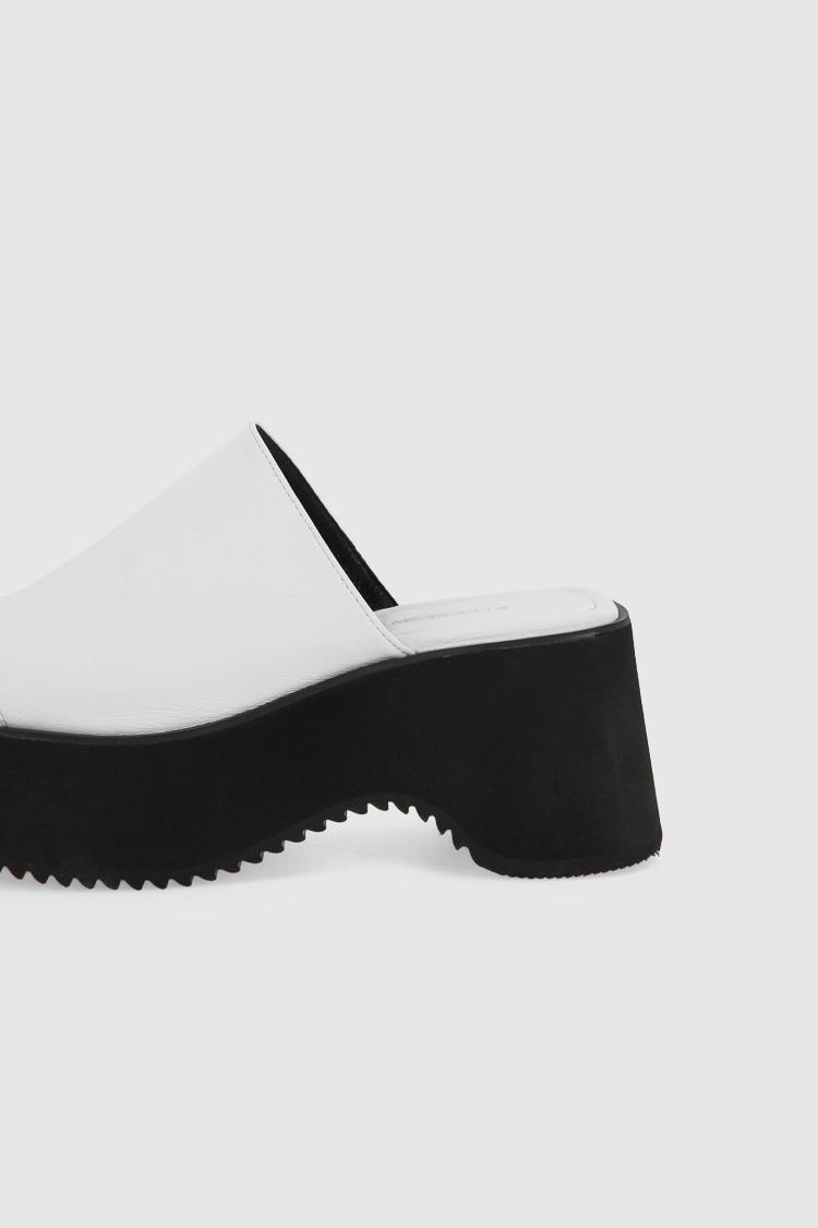 메노드모쏘(MENODEMOSSO) SOFT FLIP FLOP - WHITE